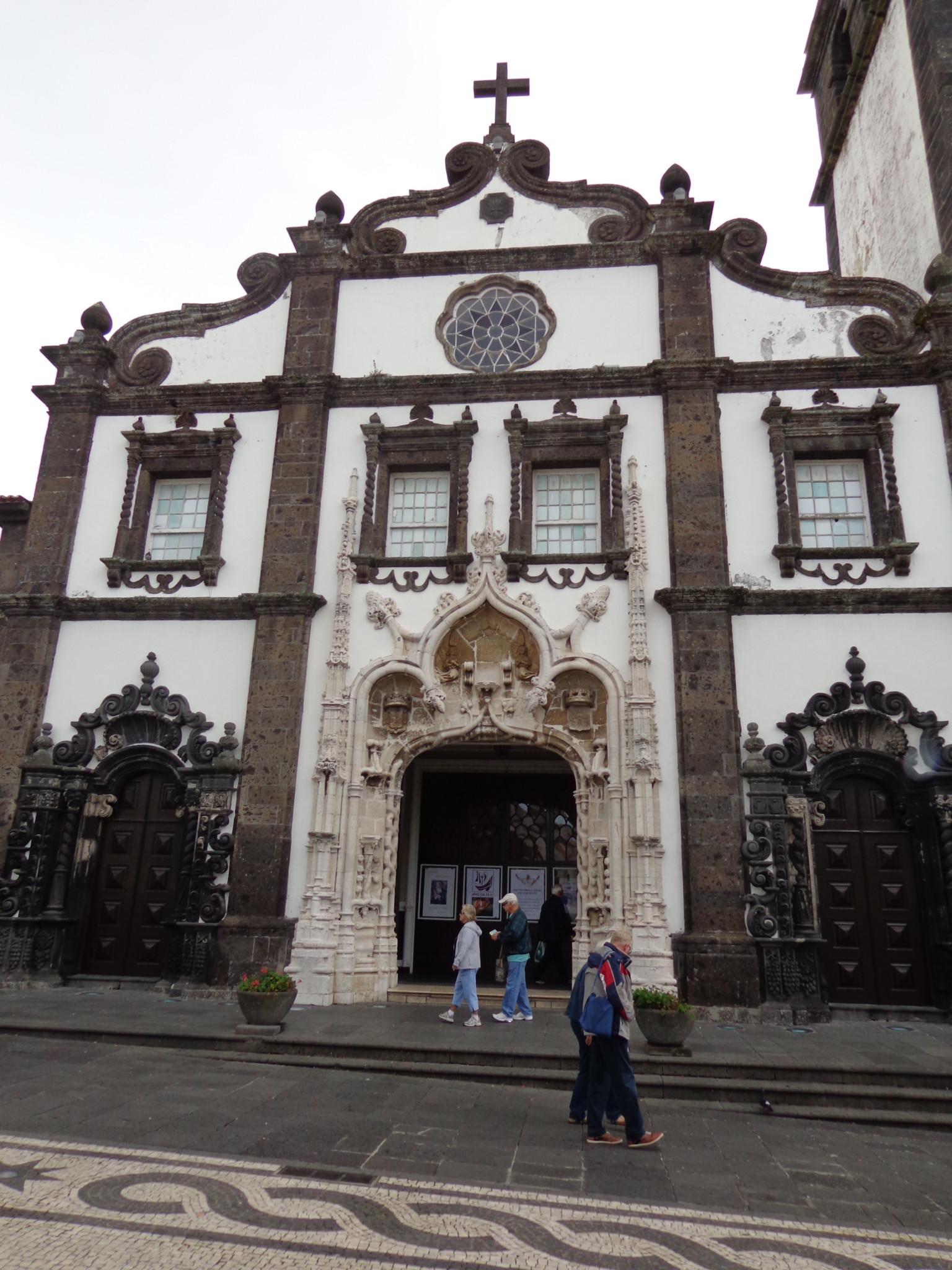 The Azores Architecture